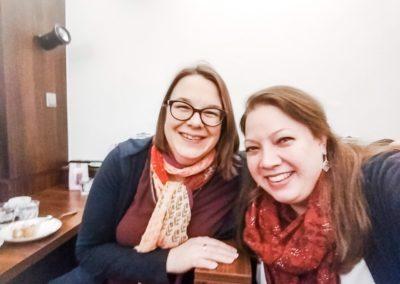 Mit Martina Novak vom Biolino Institut in Wien bei einem Netzwerktreffen im Café Zeitgenossin